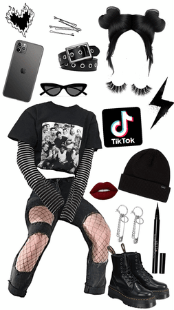 Black E-Girl outfit