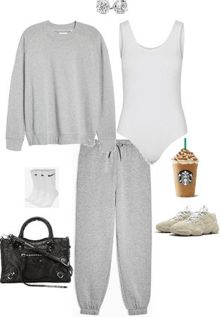 quick Starbucks run ✌🏻