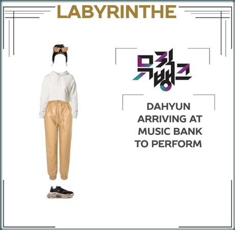 Dahyun arrived at MUSIC BANK