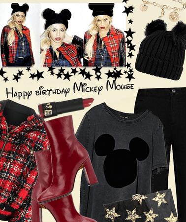 Beyoncé wears Mickey