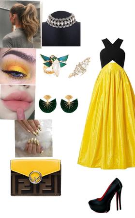 Women in yellow 💛