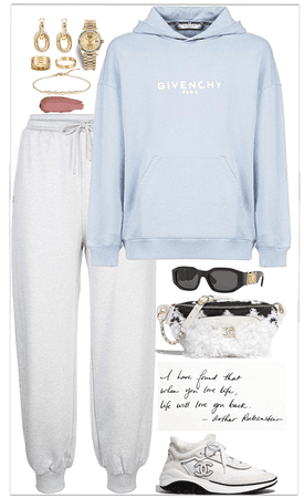 comfortable,chic look