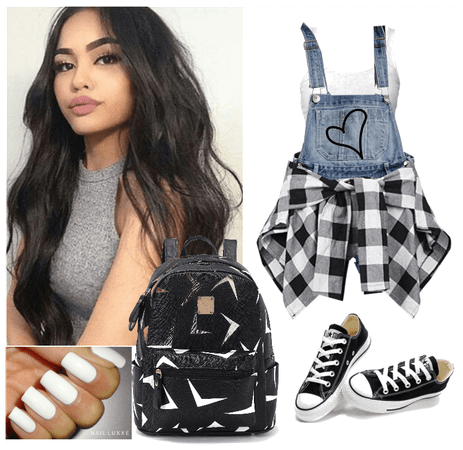 1.School Outfit