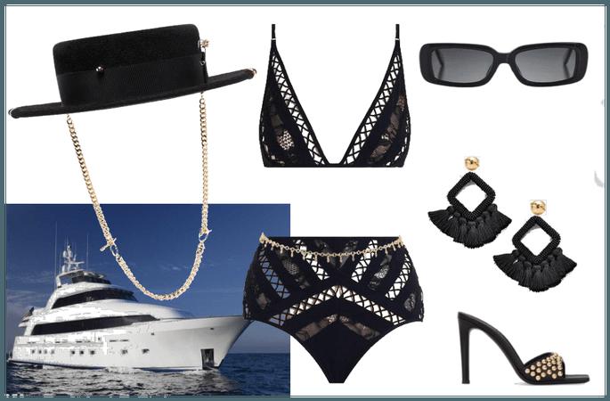YESENIAs yacht date