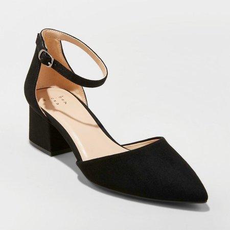 black shoe heel