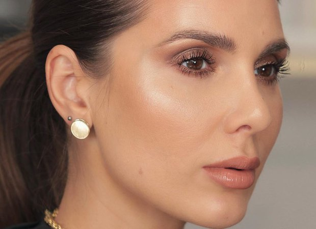 Andreea Ali sur Instagram: A timeless makeup look you can recreate for any party, any event you have. Wear this no matter how you dress cause it's gonna work with…