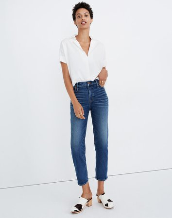 Mid-Rise Classic Straight Jeans in Carsondale Wash