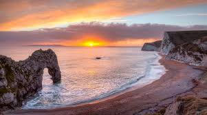 Результат поиска Google для https://media.istockphoto.com/photos/beautiful-summer-sunset-at-the-sea-with-mountains-trees-picture-id507640218
