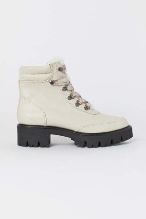 Pile-lined Boots - White