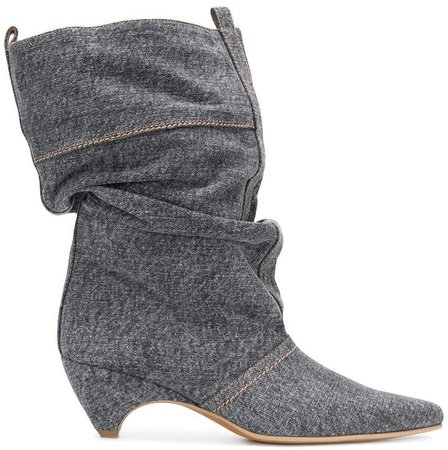 Slouchy pointed boots