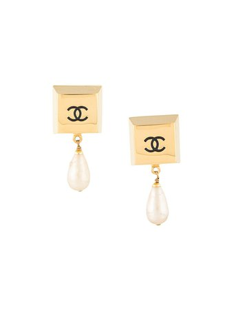 Shop gold Chanel Pre-Owned square block faux pearl earrings with Express Delivery - Farfetch