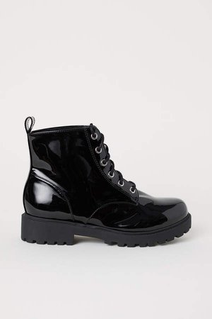 Pile-lined Boots - Black