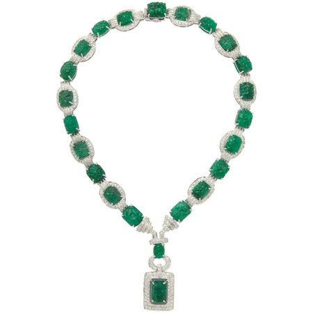 Important Carved Emerald and Diamond Necklace For Sale at 1stDibs