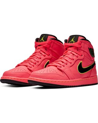 womens-nike-jordan-air-jordan-1-retro-premium-high-top-sneaker-size-5-m-red (320×400)