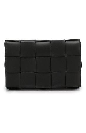 Женская сумка cassette BOTTEGA VENETA черная цвета — купить за 105500 руб. в интернет-магазине ЦУМ, арт. 578004/VMAY1