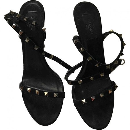 Rockstud Black Suede Sandals