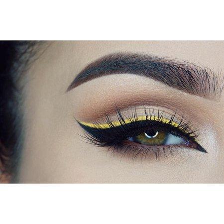 Nude w/ Yellow Liner Eye Makeup