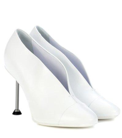 Victoria Beckham - Pin leather pumps | Mytheresa