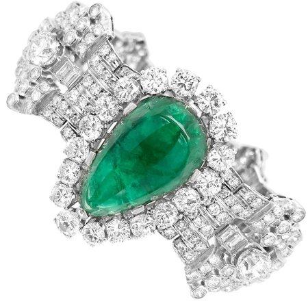 Pear-Shaped 23 Carat Emerald Bracelet, Platinum and Diamond