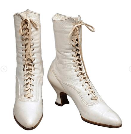 vintage whhite boots