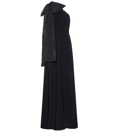 One-shoulder crêpe gown