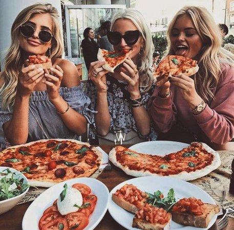 friends summer pizza