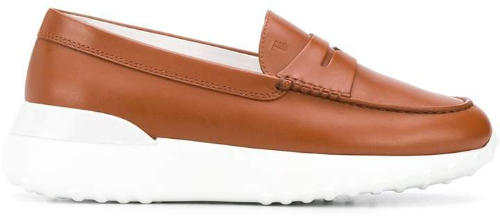 contrast sole moccasin loafers