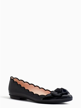 Scalloped flats with bow