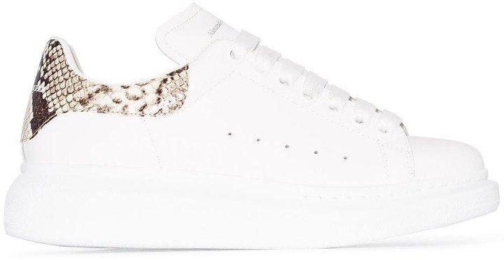 Oversized contrast heel counter sneakers