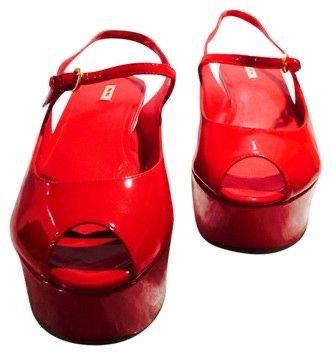 MIU MIU Red Patent Leather Vernice Plat Rosso Peep-toe