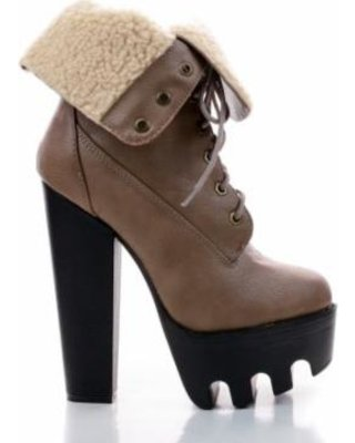 vive17-by-wild-diva-faux-fur-fold-over-lug-sole-high-heel-ankle-booties (320×400)