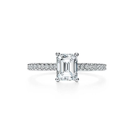 Tiffany Novo® Emerald Cut Engagement Rings | Tiffany & Co.