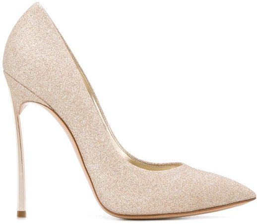 Blade pointed pumps
