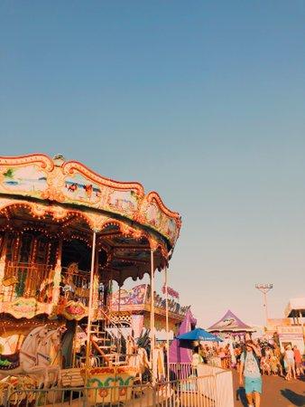 c a r n i v a l • // amusement park // summer// aesthetic// teen