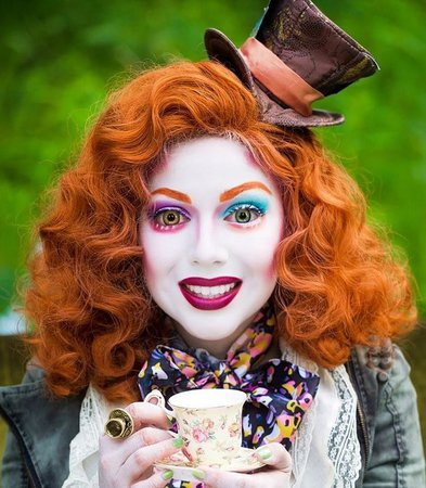 alice-in-wonderland-costume-mad-hatter-makeup - Famous & Fashion!