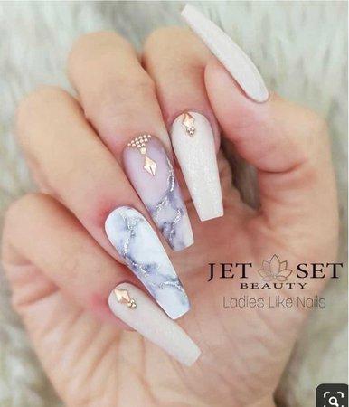 acrylic nails 💅🏻