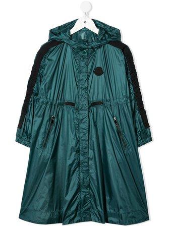 Shop green Moncler Enfant logo-patch rain coat with Express Delivery - Farfetch