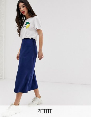 Falda midi de satén azul marino de New Look Petite | ASOS