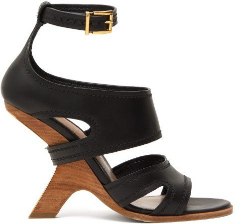 Curved-heel Leather Sandals - Black