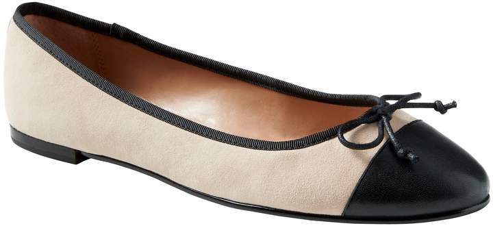 Robin Almond-Toe Ballet Flat