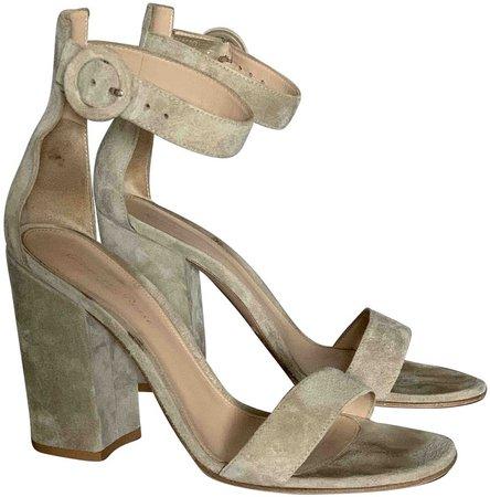 Versilia Beige Suede Sandals