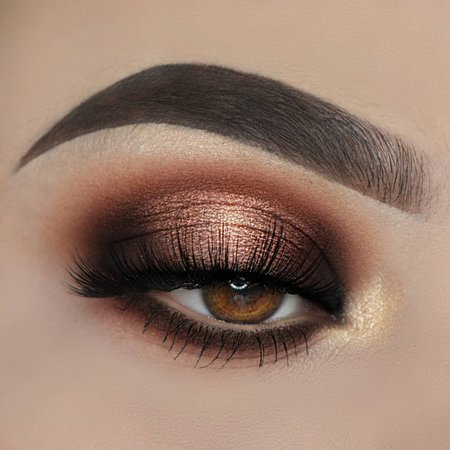 Caterina_triant sur Instagram: 𝓐𝓑𝓗 - 𝓢𝓸𝓯𝓽 𝓖𝓵𝓪𝓶 Products used: @anastasiabeverlyhills dipbrow pomade in dark brown Soft Glam palette @benefitcosmetics…