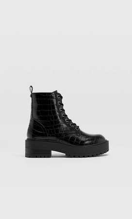 Embossed lace-up biker ankle boots - Women's All | Stradivarius Россия