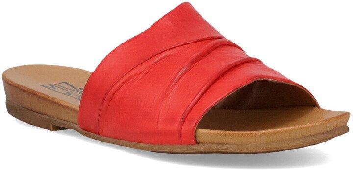 Aria Slide Sandal