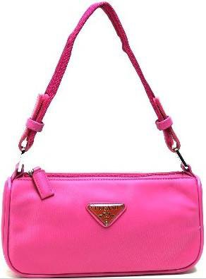 Foxxy Boutique | Women's Accessories, Metro Detroit | Handbags Nylon Baguette Purse in Hot Pink 11,99 $US*·Non disponible