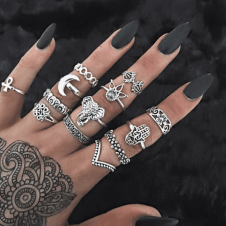 hippie rings - silver - black nails
