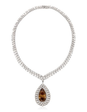 GRAFF, COLORED DIAMOND AND DIAMOND NECKLACE