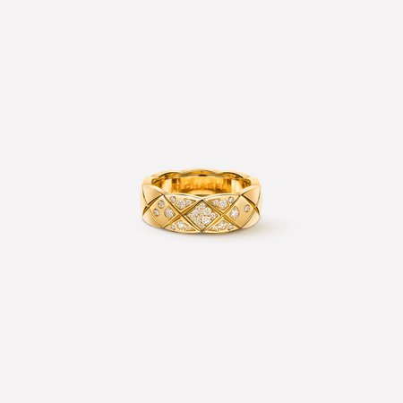 Coco Crush ring - Quilted motif ring, small version, in 18K white gold and diamonds - J10865 - CHANEL