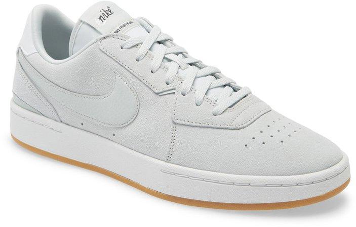 Court Blanc SE Low Top Sneaker