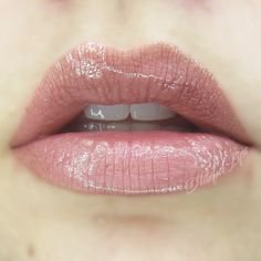 Glossy Nude Pink Lip